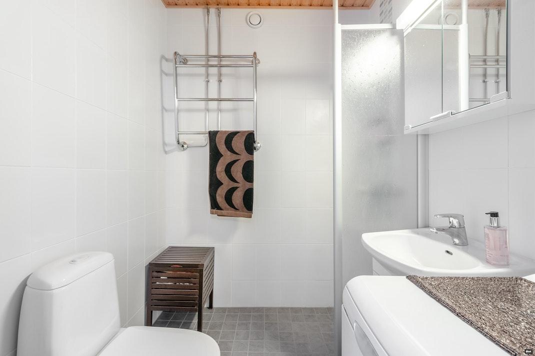 Viherkallionkuja 7 E 28 Kylpyhuone
