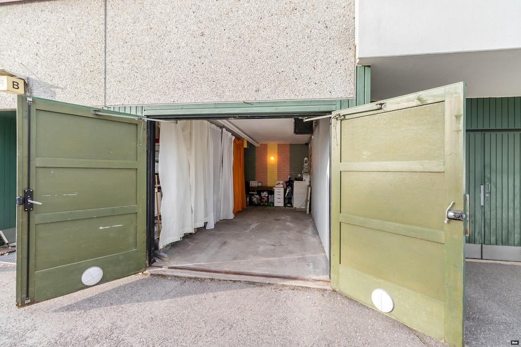 Viherkallionkuja 7 E 28 Parveke & Julkisivu & Autotalli