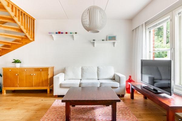 Tilava ja viihtyisä kolmen makuuhuoneen rivitalokoti Raision Inkoisissa - Ketunleivänkuja 4 B 7