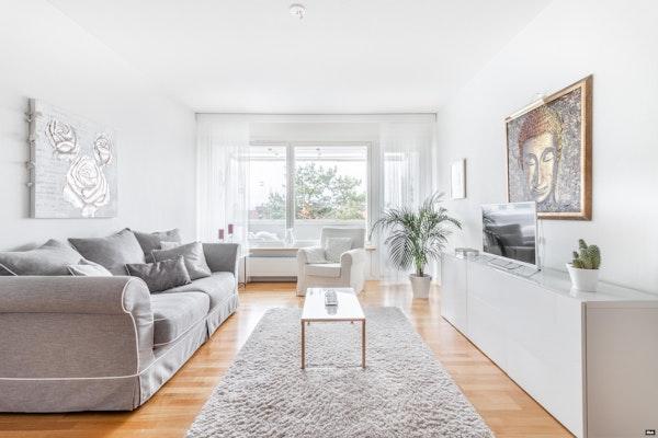 Parvekkeellinen ylimmän kerroksen kaksio Kivenlahdessa - Aalto 6  C 27