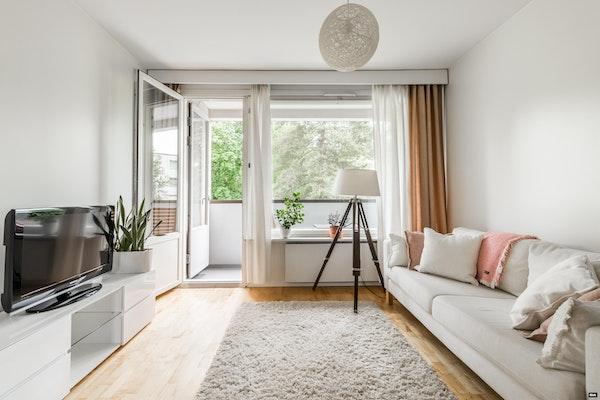 Vaaleasävyinen parvekkeellinen koti Konalassa putkiremontoidusta taloyhtiöstä - Riihipellontie 3  A 5