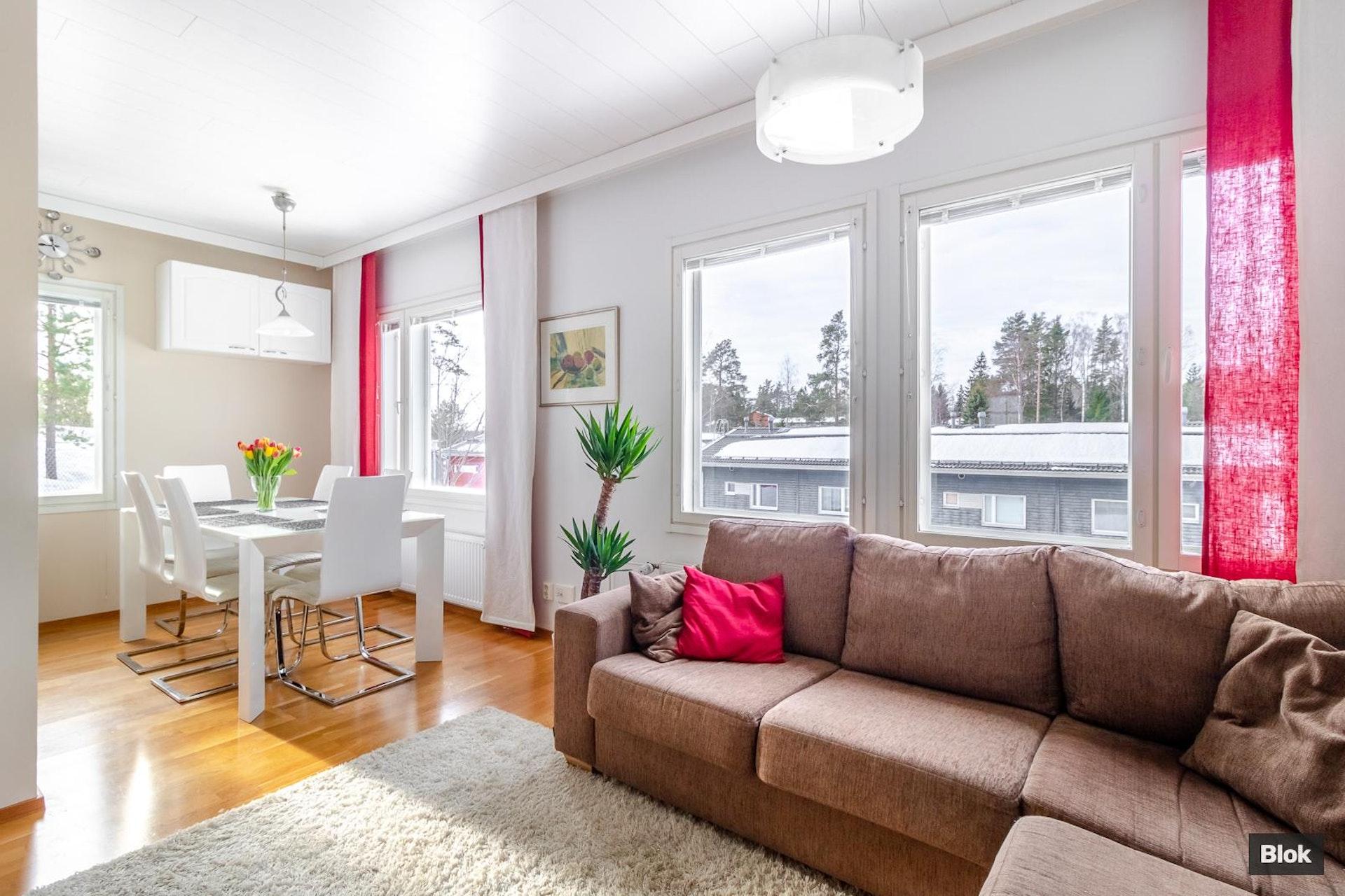 Asunto isommallekin perheelle Espoon Pitkäniityssä