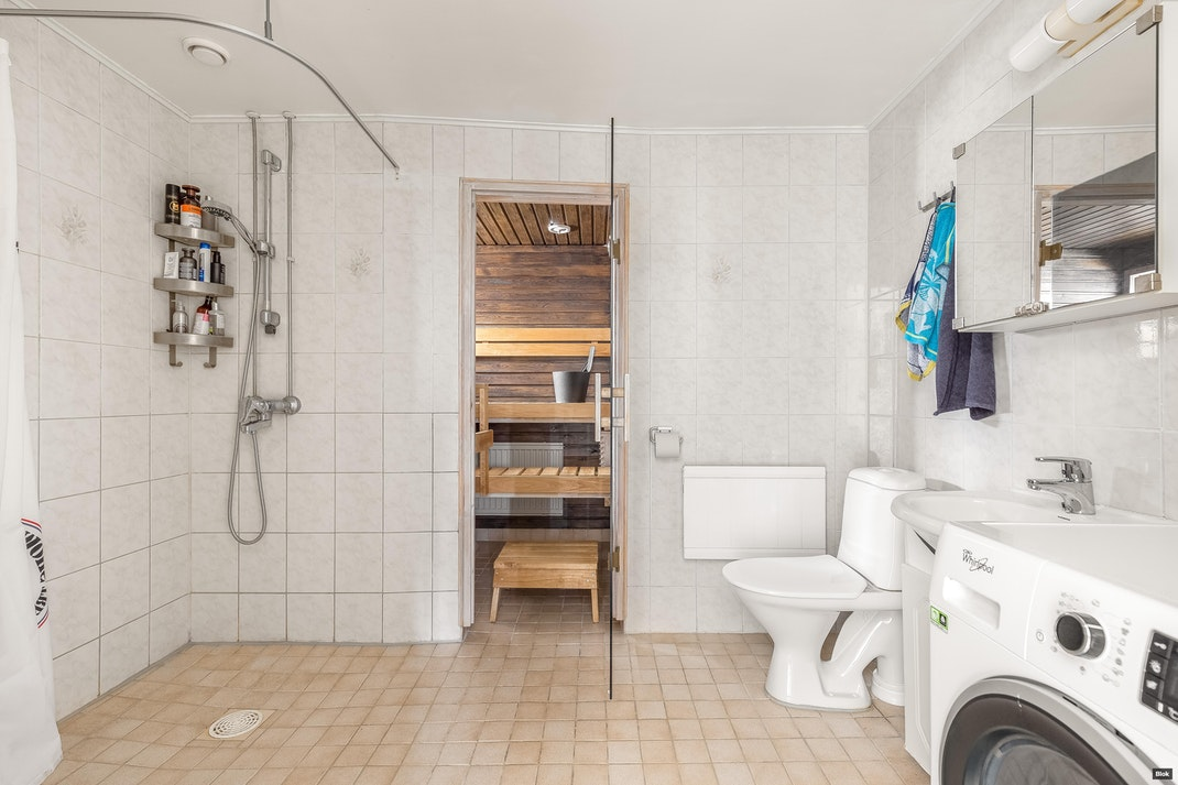 Tuulimyllyntie 8 A 15 Kylpyhuone & Sauna & Erillinen WC