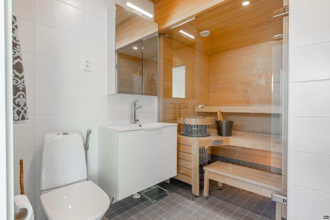 Perustajantie 6 C 6 Kylpyhuone
