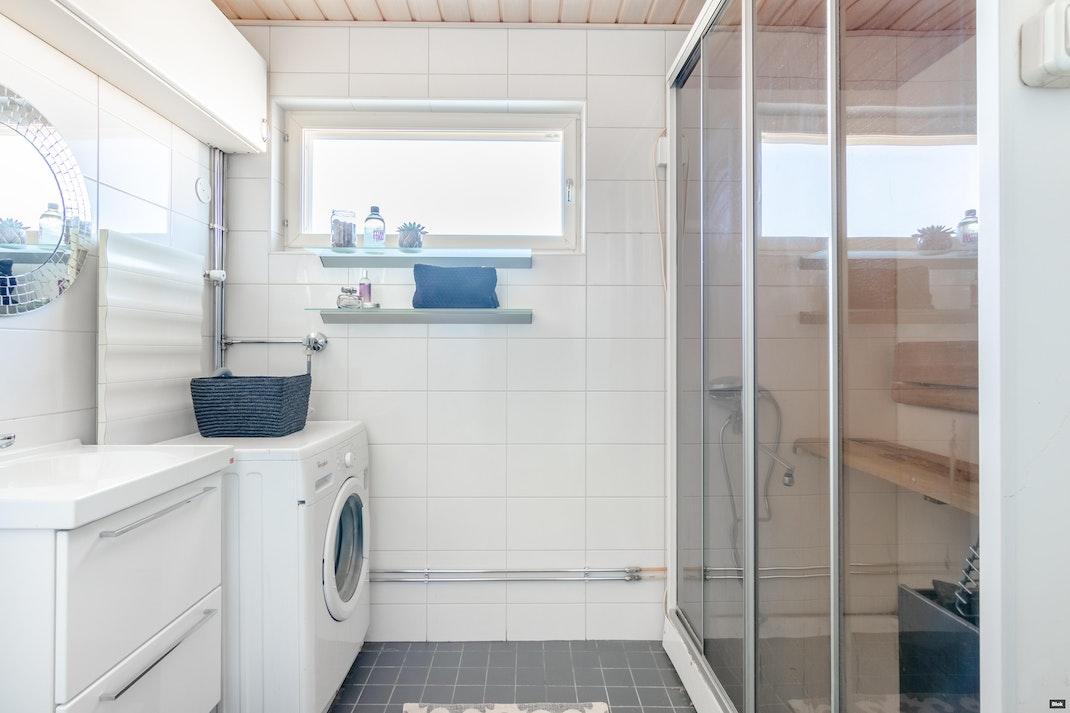 Anjankuja 3 B 131 Kylpyhuone