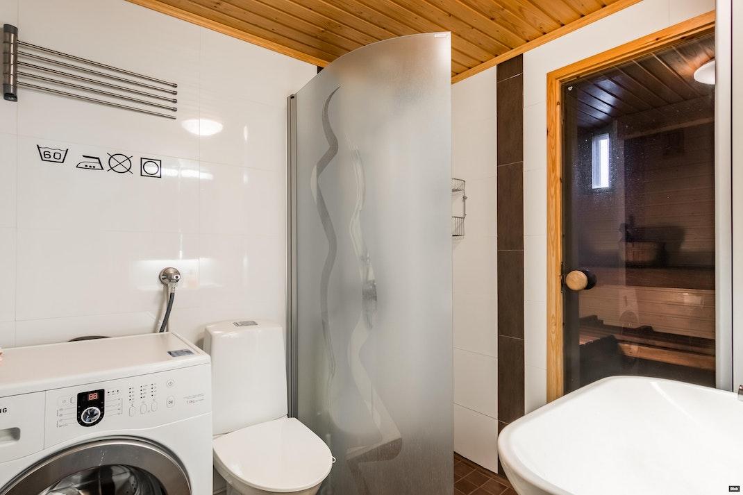 Haikalantie 2 A 3 Kylpyhuone & Sauna