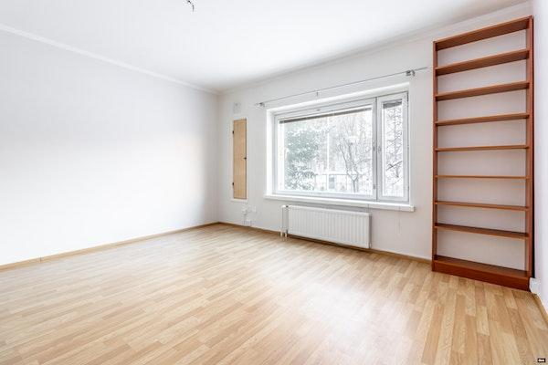 Näppäräpohjainen kaksio putkiremontoidussa talossa Käpylässä - Koskelantie 29  C 26