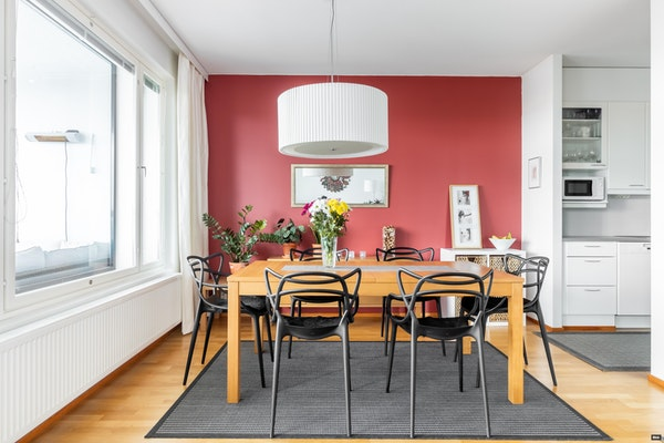 Upea 15. kerroksen asunto 2005 valmistuneessa tornitalossa Tikkurilassa - Talvikkitie 5  As. 151