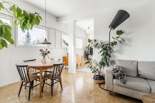 Upea kahden makuuhuoneen ullakkoasunto Tapiolan Otsolahdessa - Otsolahdentie 7 C  36
