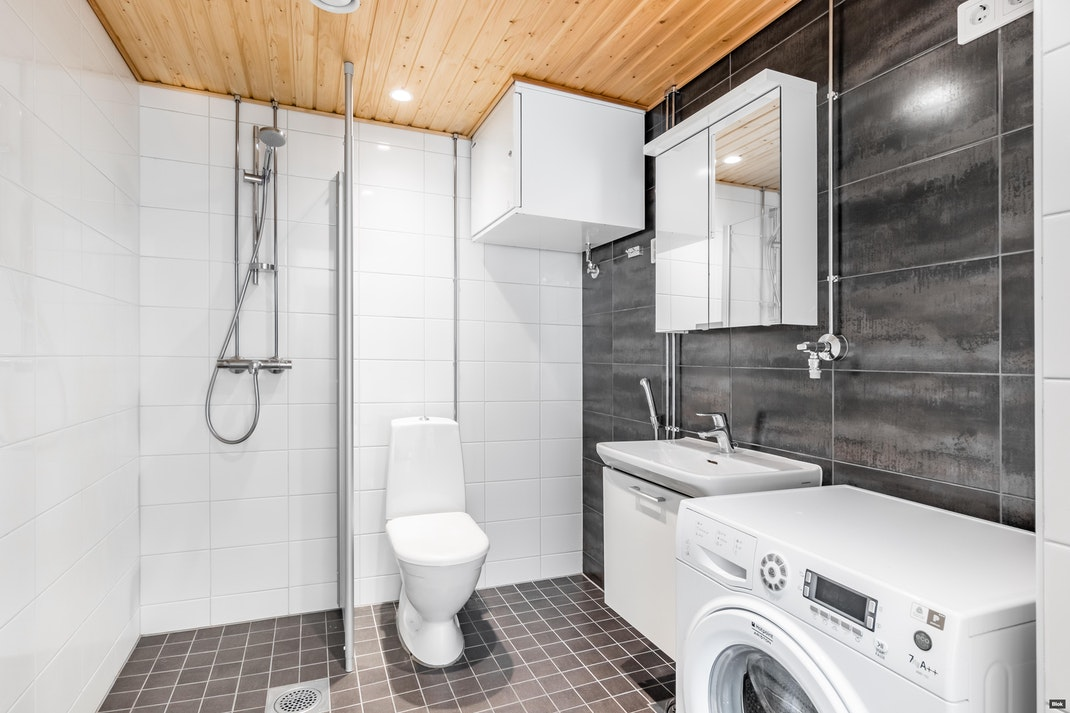Lauri Korpisen katu 6 H 133 Kylpyhuone