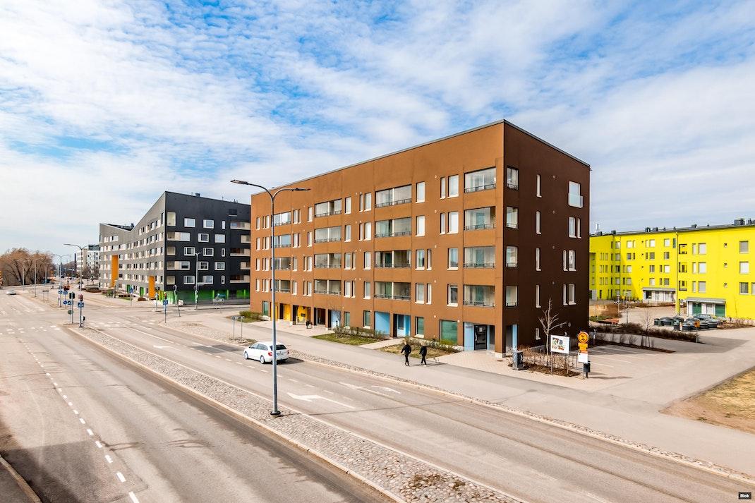 Lauri Korpisen katu 6 H 133 Parveke & Julkisivu