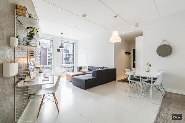Vaaleasävyinen koti vuonna 2015 rakennetusta talosta - Timanttikiteenkuja 10 A 10