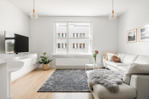 Avara kaksio 2011 asunnoiksi peruskorjatussa, kauniissa tehdaskiinteistössä Pitäjänmäellä - Pitäjänmäentie 20  C 46