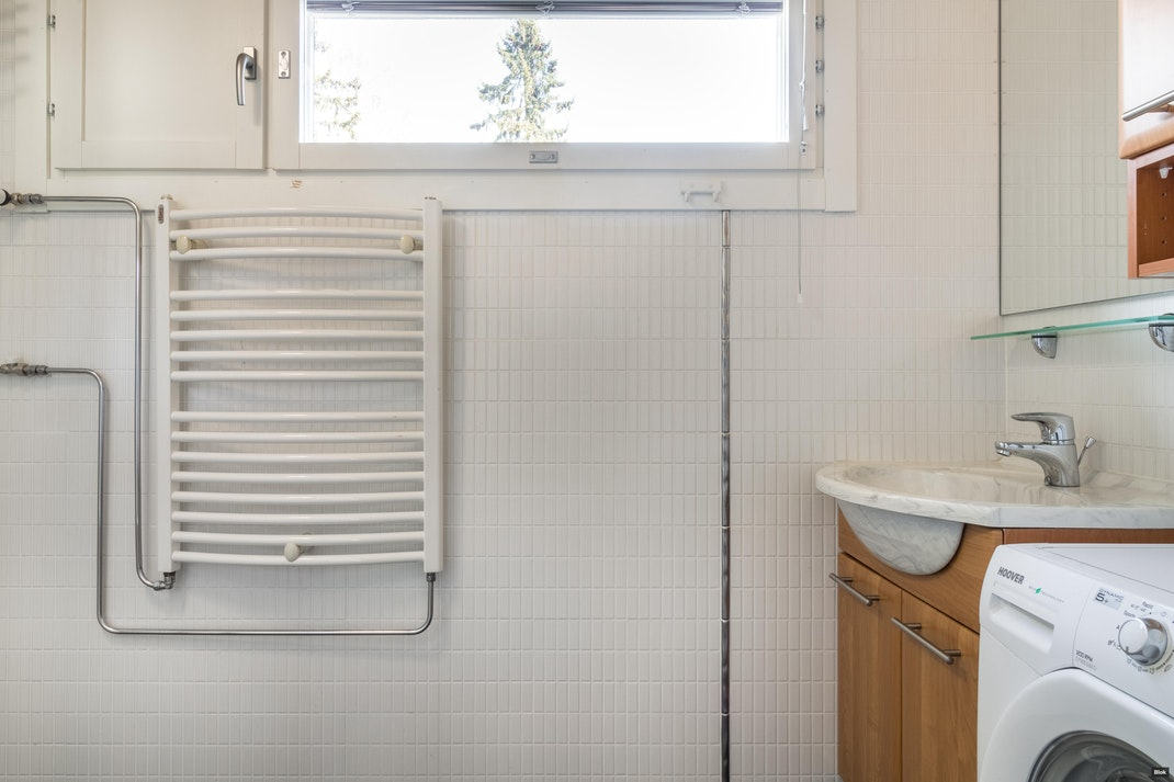Vanamonkuja 1 E 158 Kylpyhuone & Erillinen WC