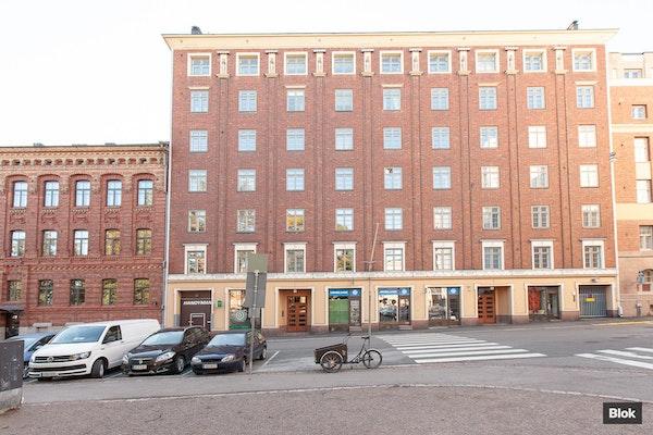 Tilava ja viihtyisä asunto Helsingin Kruununhaassa - Maneesikatu 2a B 17