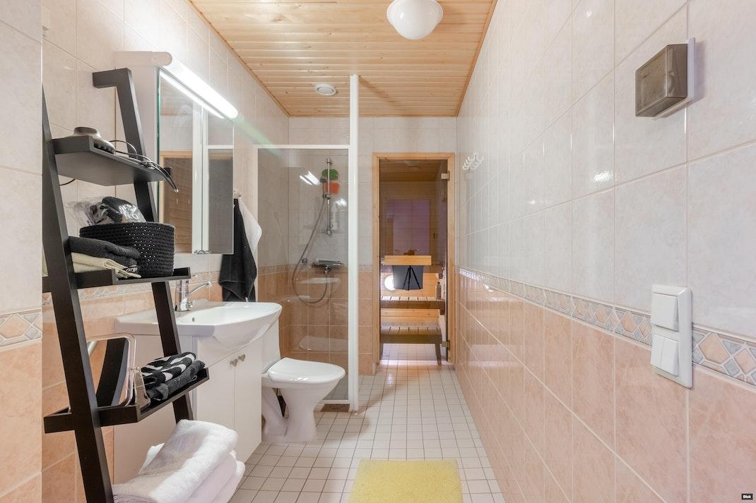 Humalistonkatu 10 a as.22 Kylpyhuone