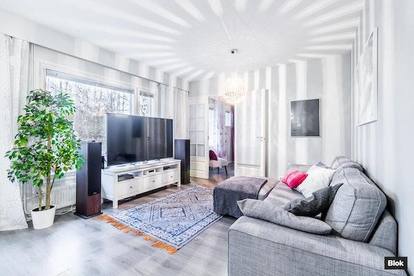 Kolme makuuhuonetta tyylikkäässä kokonaisuudessa - Männynkävyntie 1  C 5