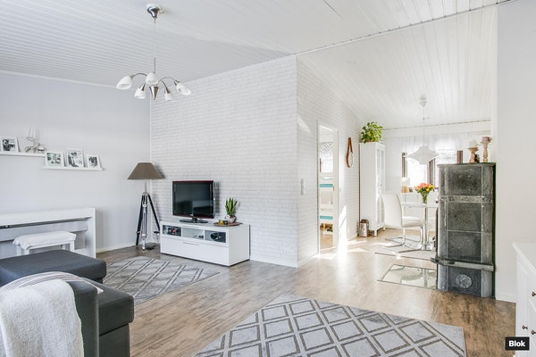 Valoisa asunto käytännöllisellä pohjalla - Tähkäniitynkatu 6 C C