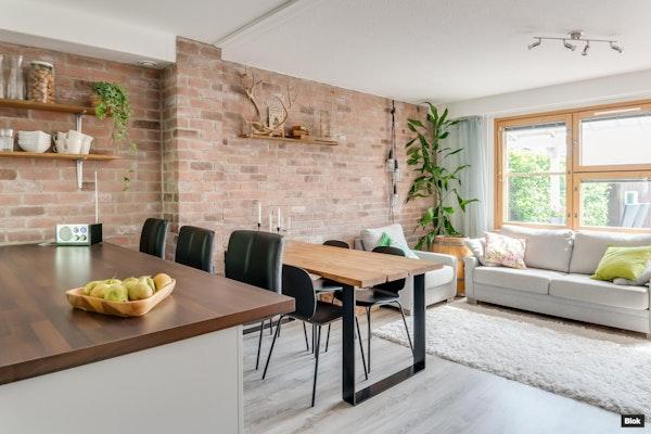 Tyylikäs ja moderni kahden kerroksen rivitalokoti Nöykkiössä - Nöykkiönniitty 3  C 12