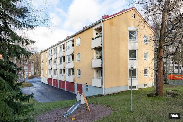 Koti lähellä luontoa Helsingissä - Vesakkotie 5