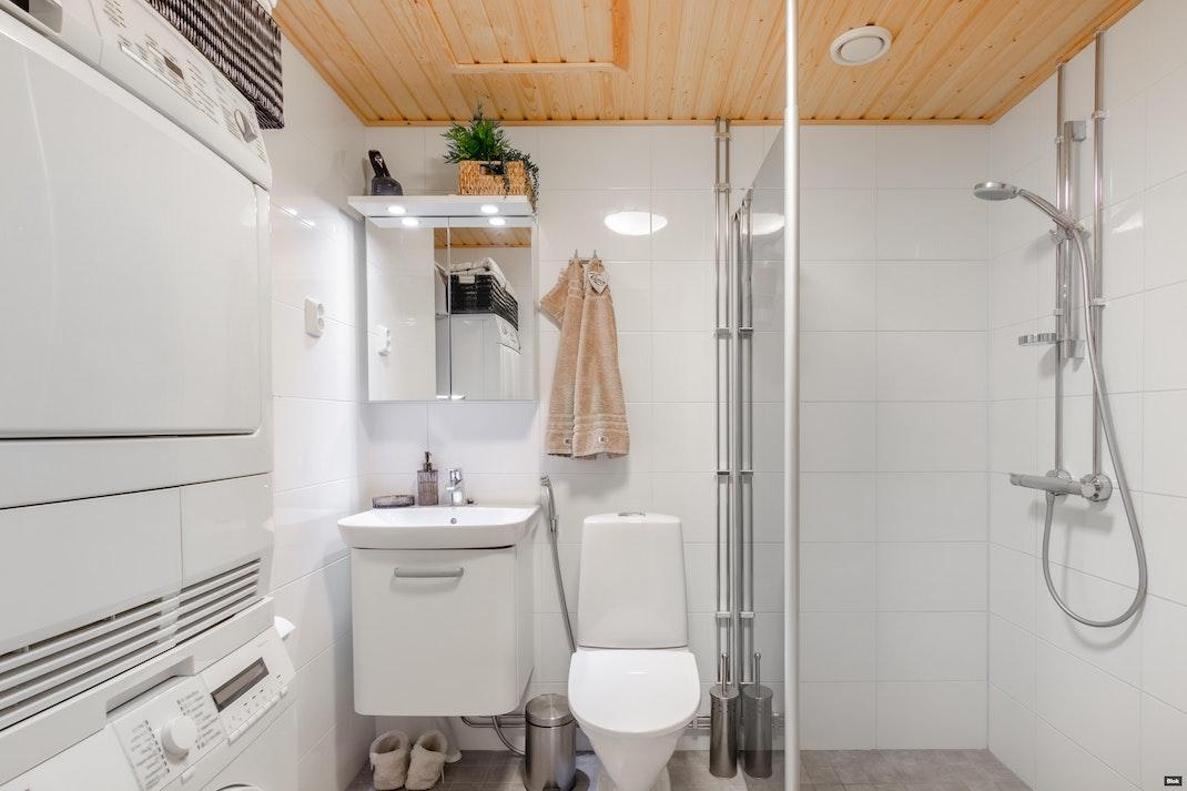 Leineläntie   4 A 17 Kylpyhuone & Sauna