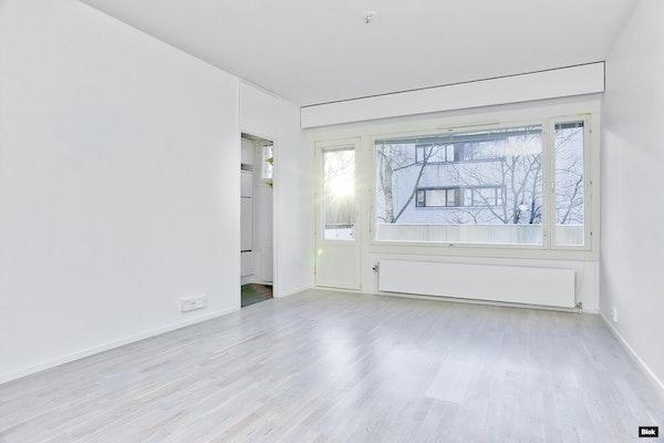 Siisti, remontoitu yksiö Helsingissä - Paraistentie 10