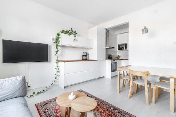 Ihastuttava ylimmän kerroksen yksiö, kauniissa korttelipihan talossa Turun Itäisessä Keskustassa - Sirkkalankatu 13 a  B 52