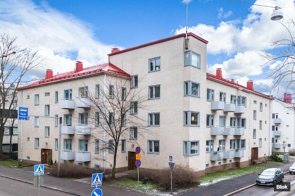 Juuri remontoitu kaksio Taka-Töölössä - Mikael Lybeckin katu 8 B 24 B 24