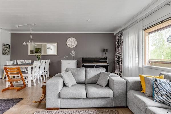 Ihastuttava neljän makuuhuoneen rivitaloasunto Heinälammessa - Kaislikkotie 5  D