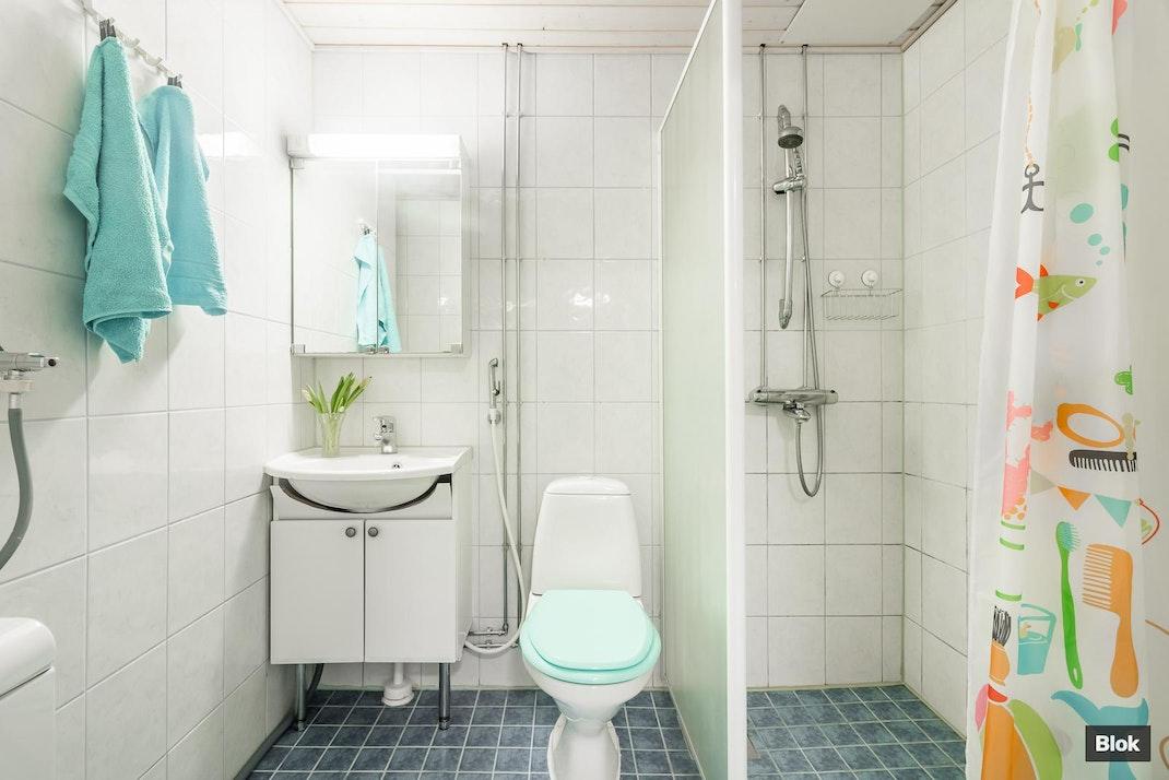 Pukkimäentie 1 A 11 Kylpyhuone