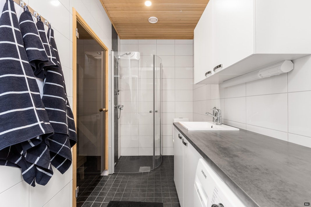 Pärnäsentie 6 A 4 Kylpyhuone & Sauna & Erillinen WC