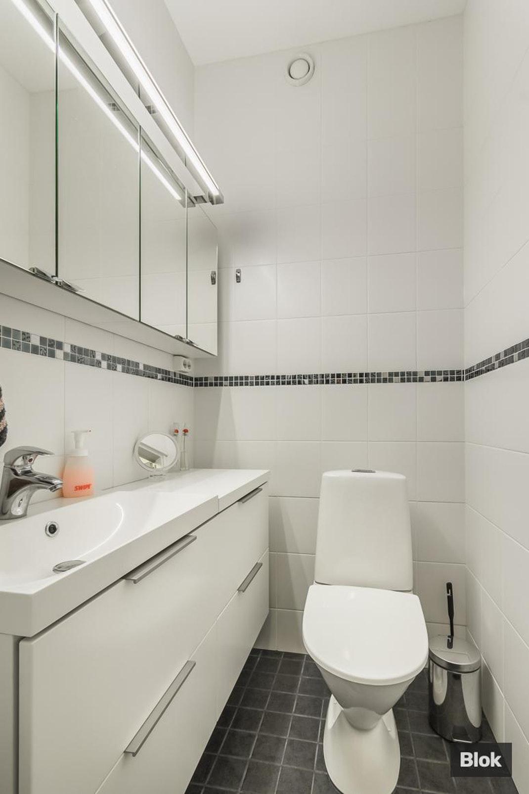 Upseerikerhonkatu 2 as. 4 Kylpyhuone & Sauna & Erillinen WC