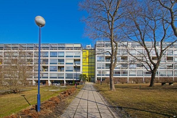 Ylimmän kerroksen tilava asunto merinäkymällä Vaasan keskustasta - Koulukatu 3-5  B 34