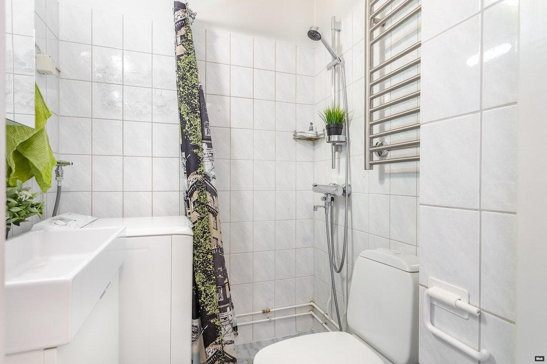 Oravanpolku 5 A 3 Kylpyhuone