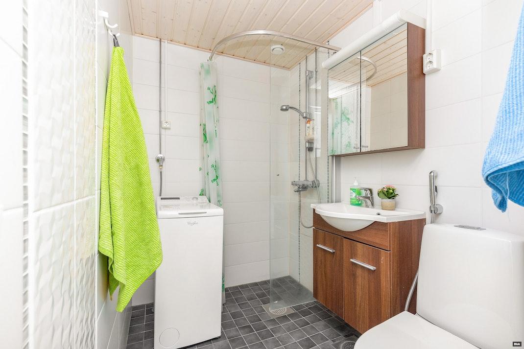 Viitaniementie 21 B 16 Kylpyhuone