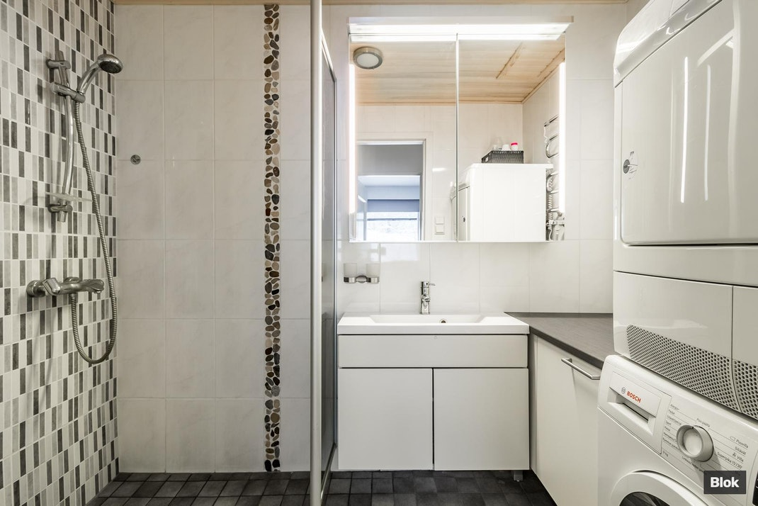 Magnus Enckellin kuja 2-4 A1 Kylpyhuone & Sauna & Erillinen WC
