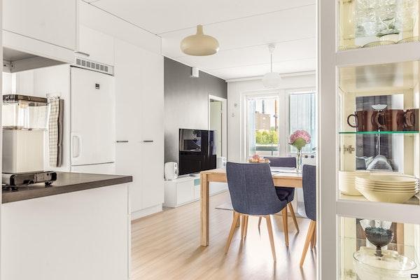 Ihastuttava saunallinen ja parvekkeellinen kolmio 2015 valmistuneessa talossa Äijälänrannassa - Ansaritie 5  A7