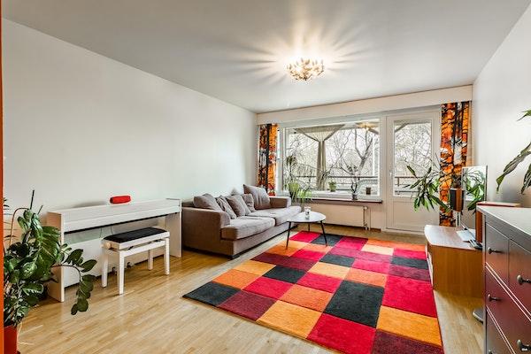 Tilava ja persoonallinen asunto Helsingin Pukinmäessä - Myrttitie 12 C 4 C 4