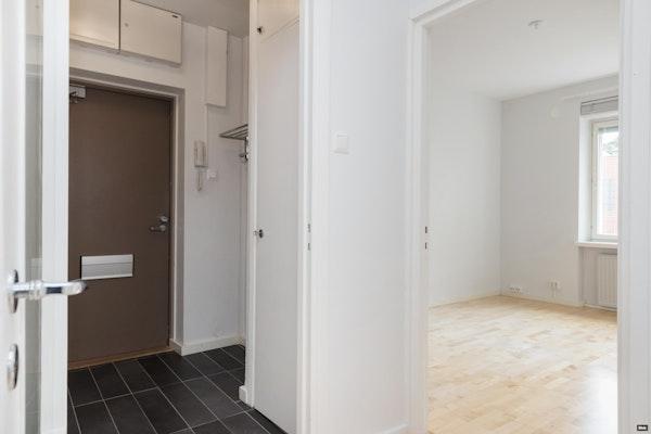 Muuttovalmis kaksio kauniissa 50-luvun talossa Hatsalassa - Kasarmikatu 10 C 36