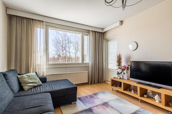 Tilava kolmen makuuhuoneen koti Kiveriössä - Metsärinteenkatu 13  G 52