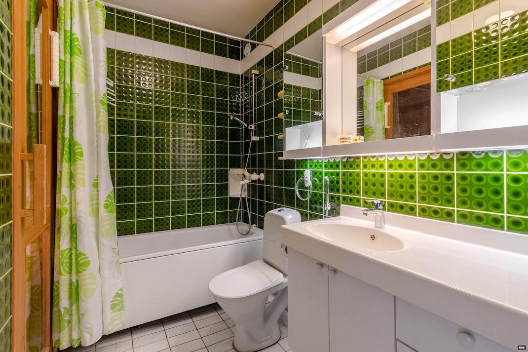 Hyvinkäänkatu 29 D 36 Kylpyhuone & Sauna