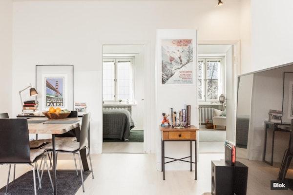 Töölöläiseleganssia modernissa kolmen huoneen kodissa - Kivelänkatu 1 B 5