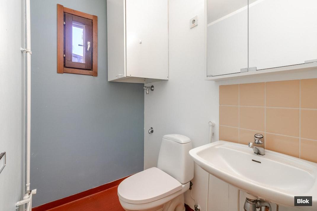 Orvokkikuja 2 B 17 Kylpyhuone & Sauna & Erillinen WC