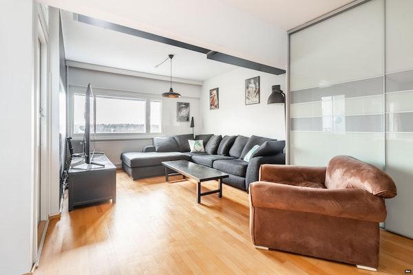Avara läpitalon koti kolmella makuuhuoneella Lähderannassa - Lähderanta 11  A 16