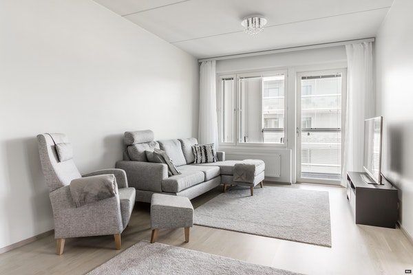 Valoisa ylimmän kerroksen saunallinen kolmio 2020 valmistuneessa talossa Kauniaisissa - Bredanportti 5  B 86