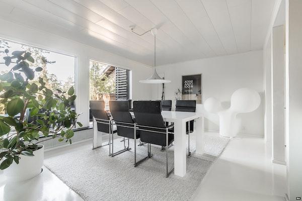 Arkkitehdin suunnittelema, hulppea erillistalo Kaarinan Kuusistossa - Eteläsalmentie 7  B 6