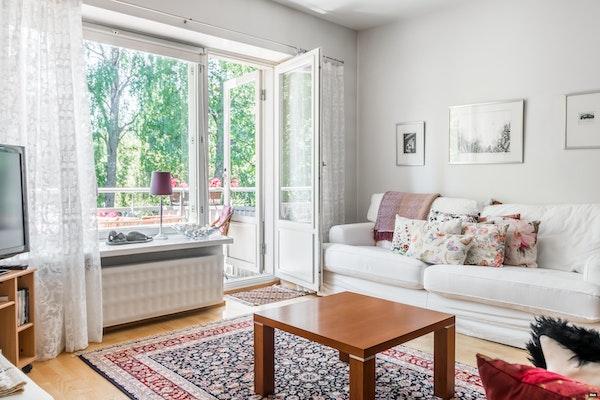 Ihastuttava kahden huoneen koti Lauttasaaren halutulla vanhalla puolella Myllykalliossa - Isokaari 12  A 4