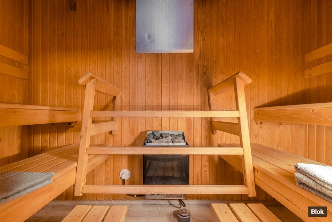 Tuohitie 7 C Kuisti & Talo & Taloyhtiön sauna