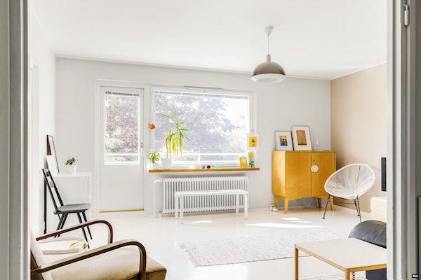 Vaaleanhohtoinen parvekkeellinen kolmio, putkiremontoidussa talossa Vasaramäessä - Rakuunatie 59  D 40