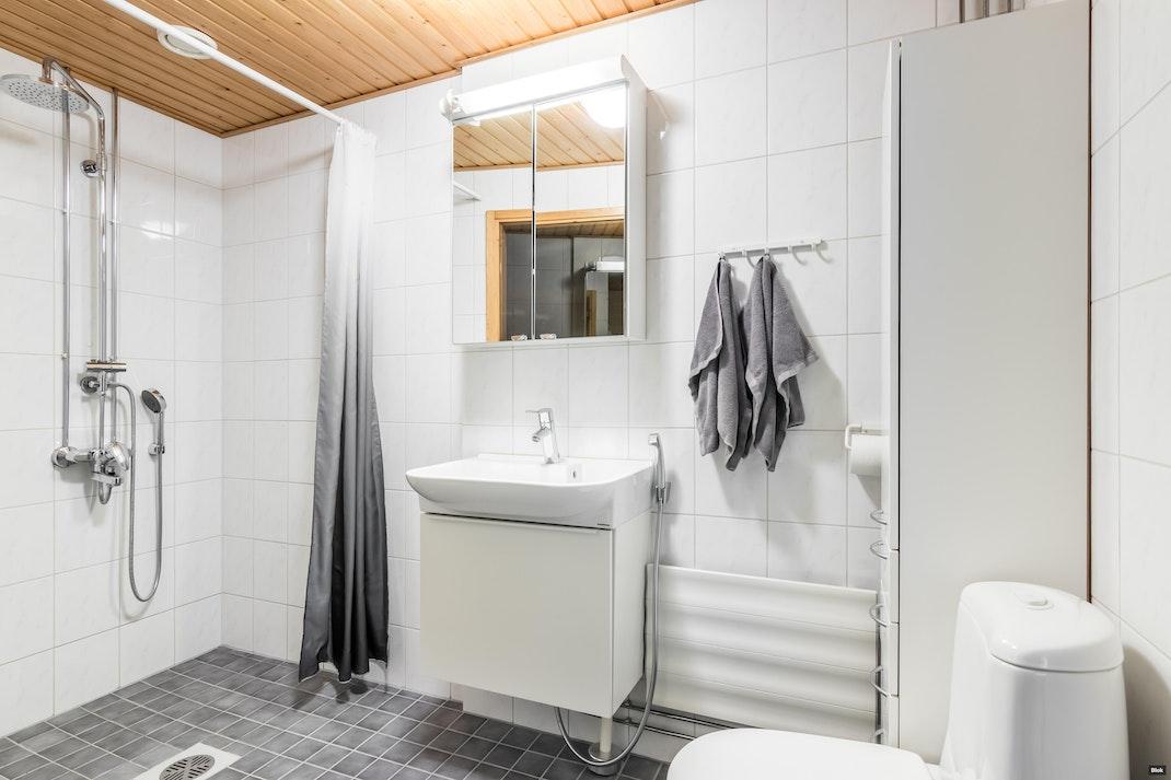 Rummunlyöjänkatu 5 B 32 Kylpyhuone
